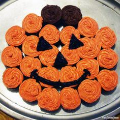 Learn how to make a cute and easy Pumpkin Cupcake Cake for Halloween this year. I like to make cupcake cakes instead of the traditional sheet...