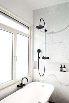 black & white marble bathroom // noglitternoglory.com