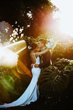 A romantic wedding in Hawaii doesn't get more sophisticated and glamorous than this. Want to know more about our venue? Click the link!  #weddingphotos #weddinginspo #weddingideas #weddinginspiration #tropicalwedding #hawaiiwedding Wedding Vows, Wedding Venues, Wedding Photos, Magical Wedding, Dream Wedding, Elopements, Hawaii Wedding, Weddingideas, Backdrops
