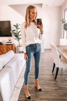 jeans outfit for work Fashion Jackson Loft Try On Haul Workwear Ivory Sweater Jeans Outfit Sweater And Jeans Outfit, Jeans Outfit For Work, Jeans Outfit Winter, Sweaters And Jeans, Casual Work Outfits, Professional Outfits, Business Professional, Tunic Sweater, Simple Office Outfit