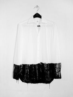 Ole Martin Lund Bø - Untitled / Liquid rubber and shirt / 50 x 70 cm / 2007 Dip Dye Shirt, Fashion Details, Fashion Design, White Shirts, Mode Style, Diy Clothes, Bunt, Street Fashion, Designer