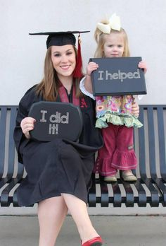 These photos capture the joys and the challenges of single mothe - Help For Single Moms - Ideas of Help For Single Moms - Way to go Mom! These photos capture the joys and the challenges of single motherhood Nursing Graduation Pictures, Nursing School Graduation, Grad Pics, Graduate School, Nursing Pictures, College Graduation Photos, Medical School, Cumpleaños Angry Birds, College Mom