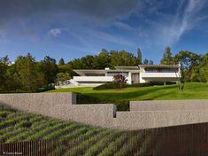 CUBE Magazin Stuttgart | Cube Magazin Organic Architecture, Architecture Plan, Alexander Brenner, Modern Mansion, New Home Designs, Modern House Design, New Homes, My House, Exterior