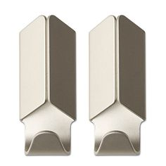 Anodized aluminium is the material in the HAY Volet Hook, which can be used, mounted and put up anywhere. The folded metal wings of the Volet Hook by Gold Bathroom Accessories, Metal Wings, Danish Design Store, Aluminum Cans, Nordic Design, Wall Hooks, Key Hooks, Aluminium, Tips