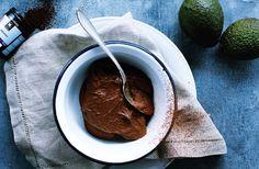 Kakaomousse med banan og avocado