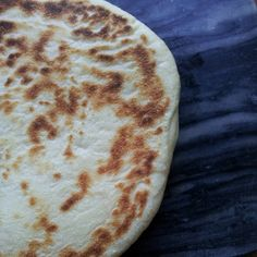 flatbread – Around the World in 80 Bakes Moroccan Vegetables, Fresh Fruits And Vegetables, Turkish Recipes, Italian Recipes, Ethnic Recipes, Moroccan Bread, Homemade Naan Bread, Turkey Today, Turkish Sweets
