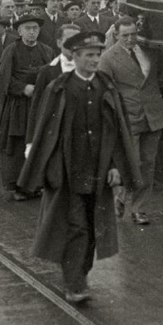 1930. Funcionario del Cementerio Municipal de Donostia-San Sebastián. Che Guevara, San, War, Safety