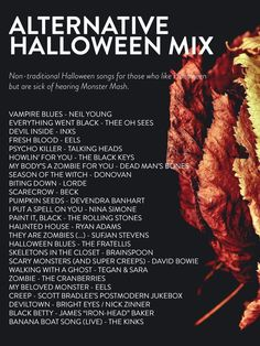 A Halloween playlist for everyone! 80 songs to usher in this creepiest of seasons. From dance numbers to Day-O, there's a playlist sure to spooky you. Halloween Lieder, Soirée Halloween, Halloween Songs, Holidays Halloween, Halloween Treats, Halloween Decorations, Halloween Costumes, Halloween Playlist Music, Halloween Season