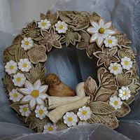 Burlap Wreath, Origami, Pottery, Wreaths, Ceramics, Home Decor, Porcelain, Fimo, Crown Cake