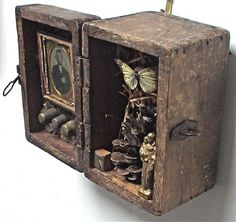 lucky 7 assemblage art by mike bennion - vintage box, drawer, nature items mixed. - lucky 7 assemblage art by mike bennion – vintage box, drawer, nature items mixed in to this lovely old box Shadow Box Kunst, Shadow Box Art, Found Object Art, Found Art, Altered Boxes, Altered Art, Assemblage Kunst, Find Objects, Art Graphique