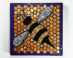 RESERVED For Al Beck Bumble Bee Mosaic Wall por CherieBosela
