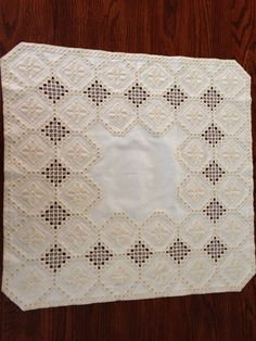 Hardanger table topper