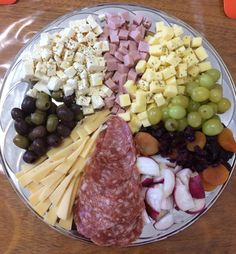 1 million+ Stunning Free Images to Use Anywhere Appetizers Table, Finger Food Appetizers, Finger Foods, Appetizer Recipes, Veggie Platters, Meat Platter, Antipasto Platter, Crispy Chicken Wraps, Cocktail Party Food