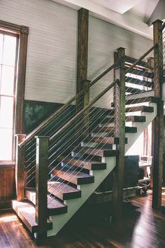 30 Marvelous And Creative Indoor Wood Stairs Design Ideas You Never Seen Before – DECOOR holzdecke 30 Marvelous And Creative Indoor Wood Stairs Design Ideas You Never Seen Before Rustic Staircase, Industrial Stairs, Staircase Railings, Staircase Design, Stairways, Staircase Ideas, Railing Ideas, Stair Design, Wood Railing