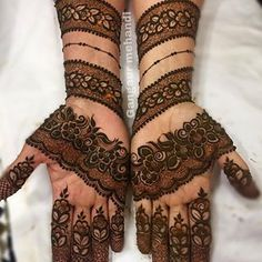 Rajasthani full hand mehndi designs for Gangaur Festival Full Hand Mehndi Designs, Mehndi Designs 2018, Mehndi Designs For Girls, Bridal Henna Designs, Mehndi Design Photos, Beautiful Mehndi Design, Mehndi Images, Palm Henna Designs, Palm Mehndi Design