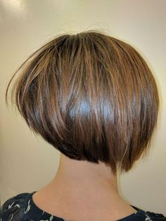 Awesome 55 Hottest Graduated Bob Hairstyles Ideas You Should Try Right Now. Graduated Bob Hairstyles, Medium Bob Hairstyles, Short Bob Haircuts, Hairstyles Haircuts, Short Graduated Bob, Short Hair Cuts, Short Hair Styles, Short Bob Cuts, Pixie Haircut