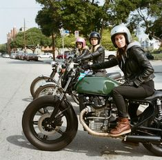 The all girl motorcycle group - Venice Vixens. Follow them on Instagram: @VeniceVixens