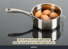 Jajka w rondelku, fot. Perfect Hard Boiled Eggs, Baking Tips, Casserole Recipes, Breakfast Recipes, Cooking, Kitchen, 1 Place, Freeze, Construction