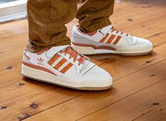 Adidas Outfit, Adidas Sneakers, Swag Shoes, Baskets En Cuir, Cream White, Cool Outfits, Jordans, Street Wear, Landscape