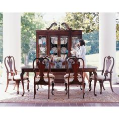 Kincaid Furniture, 60 088, Breakfront China Cabinet. Queen Anne ...