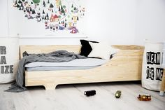 Single bed for kids CUBE 3 Pine wood House Frame Bed, Box Bed, Bed Frame, Montessori Toddler Rooms, Cool Toddler Beds, Diy Lit, Kids Single Beds, Scandinavian Kids Rooms, Bed Mattress