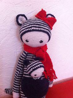 KIRA the kangaroo made by lesperlesdeminette / crochet pattern by lalylala