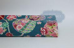 Tissu Japonais motif balle Temari et fleurs.
