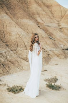 10 Cool & Classic Cover-ups for Winter Brides