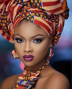 The headwrap originated in sub-Saharan Africa and serves similar functions for both African and African American women. In style, the African American woman's headwrap exhibits the features of sub-Saharan aesthetics and worldview African Beauty, African Women, African Fashion, African Style, Black Is Beautiful, Beautiful Women, Black Women Art, Black Girls, Moda Afro