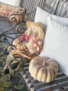 Simple and quick updates to add fall style to your front porch!