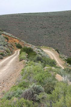 Ganaga Pass, Tankwa Karoo by Jason Whyte, via Flickr Beaches In The World, Countries Of The World, Places To Travel, Places To Go, South Afrika, Africa Destinations, Big Sky Country, On The Road Again, Wild Nature