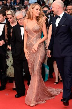 11 May Blake Lively opted for an embellished Atelier Versace gown to opening night of the Cannes Film Festival and the premiere of Café Society. - HarpersBAZAAR.co.uk