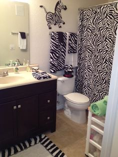 Bold And Striking As Well Cute Fun These Zebra Print Bathroom Decorating Ideas Make It Easy To Get Started Redecorating Your