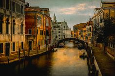 J O I N • T H E • G R O U P Amici di Venezia #venezia #venise #venice #venedig #Βενετία #Венецыя #Venècia #Венеция #Venetsia #ヴェネツィア #Feneyjar #Venecija #Venezja #Venetië #Wenecja #Veneza #Veneția #Venecia #Venedik