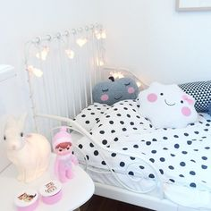 And the bunny string lights have moved in! Kids bed and nightstand with rabbits from webshop XoEinDing.