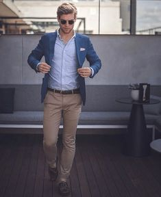 Classic Garments That You Need To Own This Spring - Daily Fashion Blazer Outfits Men, Casual Outfits, Men Casual, Business Casual Blazer Men, Blue Blazer Outfit Men, Formal Smart Casual, Summer Business Attire, Women Blazer, Tan Blazer