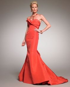 Oscar de la Renta Strapless Mermaid Gown on shopstyle.com