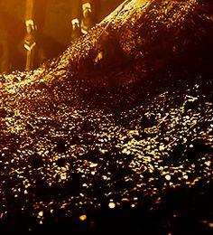 Hobbit Desolation of Smaug GIF Dragon