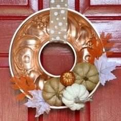 A vintage copper mold makes a beautiful repurposed backdrop for a simple fall wreath! Wreath Crafts, Decor Crafts, Wreath Ideas, Easy Fall Wreaths, Winter Wreaths, Halloween Wreaths, Spring Wreaths, Summer Wreath, Holiday Wreaths