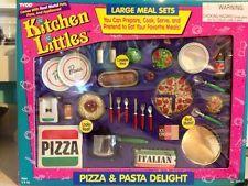 Barbie Kitchen Littles Pizza Pasta Delight Barbie Doll Set, Barbie Sets, Barbie Food, Doll Food, Kids Play Kitchen, Toy Kitchen, Vintage Barbie, Vintage Toys, Barbie Playsets