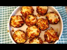 Romanian Food, Mushroom Recipes, Food Videos, Stuffed Mushrooms, Curry, Food And Drink, Make It Yourself, Vegetables, Cooking