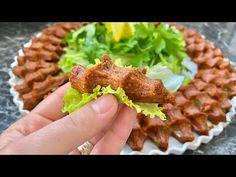 Tam Ölçülü Etsiz Çiğ Köfte Tarifi (Hazır Almaya Son,Videolu) nasıl yapılır? 16.537 kişinin defterindeki bu tarifin detaylı anlatımı ve deneyenlerin fotoğrafları burada. Crab Stuffed Avocado, Cottage Cheese Salad, Roasted Eggplant Dip, Turkish Recipes, Ethnic Recipes, Salad Menu, Wrap Sandwiches, Easy Salads, Quick Meals