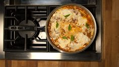 Skillet lasagne- An amazing Lasagna recipe and only one pan to wash! Italian Recipes, Beef Recipes, Cooking Recipes, Healthy Recipes, No Noodle Lasagna, Lasagna Noodles, Skillet Lasagna, Cannelloni, Sweet Italian Sausage