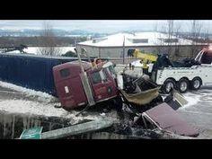 amazing truck accidents crash compilation d 39 accident de camion n 19 accidents de camions. Black Bedroom Furniture Sets. Home Design Ideas