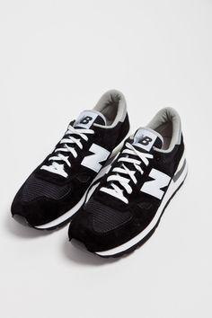 New Balance - M990 Black   TRÈS BIEN SHOP