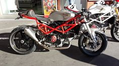 "Welcome at Café Racers United! This is the place to learn, to be inspired and to enjoy Cafe Racers like this Ducati ST2 Cafe Racer by Shed-X Customs ""Superleggera"""