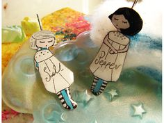 Salt & pepper Earrings by Mademoisellesgr on Etsy, Cool Style, Etsy Seller, Bubbles, Salt, Snoopy, Hand Painted, Disney Characters, Unique Jewelry, Creative