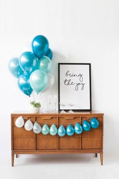 SURF'S UP - Mini Balloon Garland Teal, Blue, and Light Blue Balloons by LuftBalloonShop