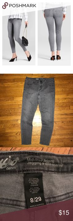 Mossimo mid-rise gray wash jeggings Worn once and washed• size 8 • inseam is approx 24.5in , length is 34.5 in• NO trades Mossimo Supply Co. Jeans