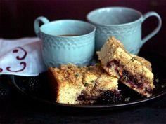 Let Them Eat: Blackberry-Thyme Crumb Cake. #recipe